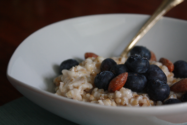 Coconut steel cut oats with blueberries and almonds